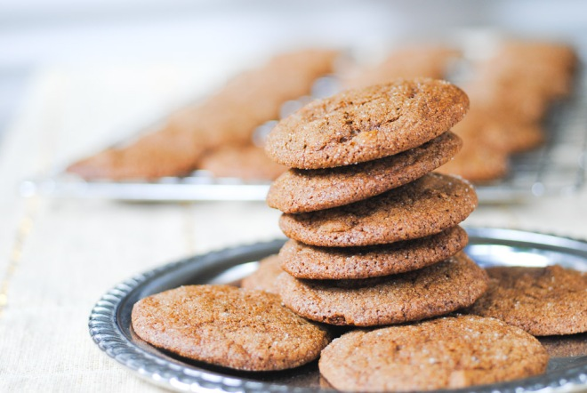 Snappy cookies with dried, fresh and candied ginger!