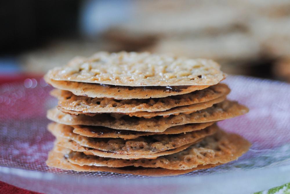 Dark chocolate almond lace cookie recipe